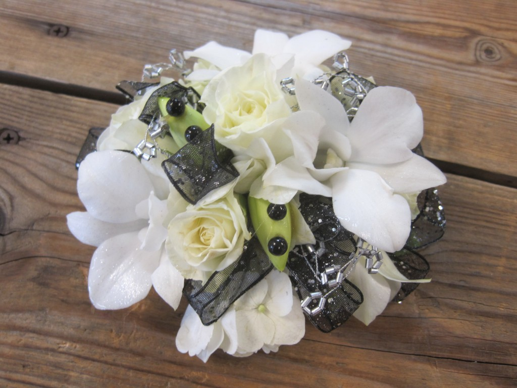 Prom Season Floral Trends